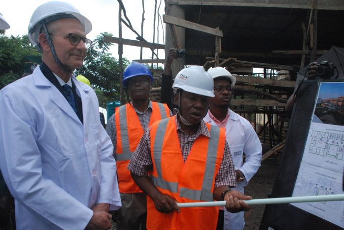 SDA Global Leader Elder Ted Wilson Urges Malawians To Pray for Peace