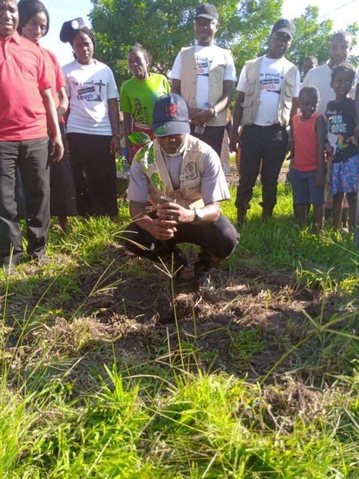 BT Synod Youths Plant 1.5 Million Trees