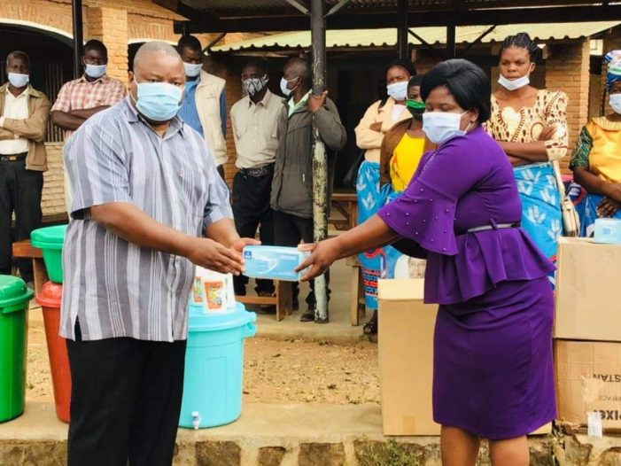 Nankhumwa Donates Covid-19 PPEs to Health Centre…Hails Health Workers