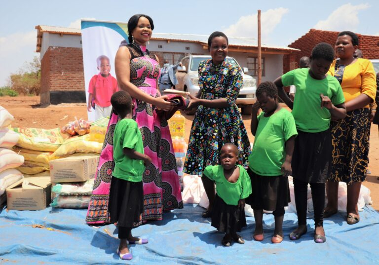 PICTORIAL: Madam Mary Chilima Donates To Orphanage